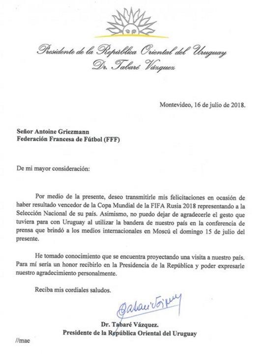 La carta que le envió Tabaré Vázquez a Antoine Griezmann.