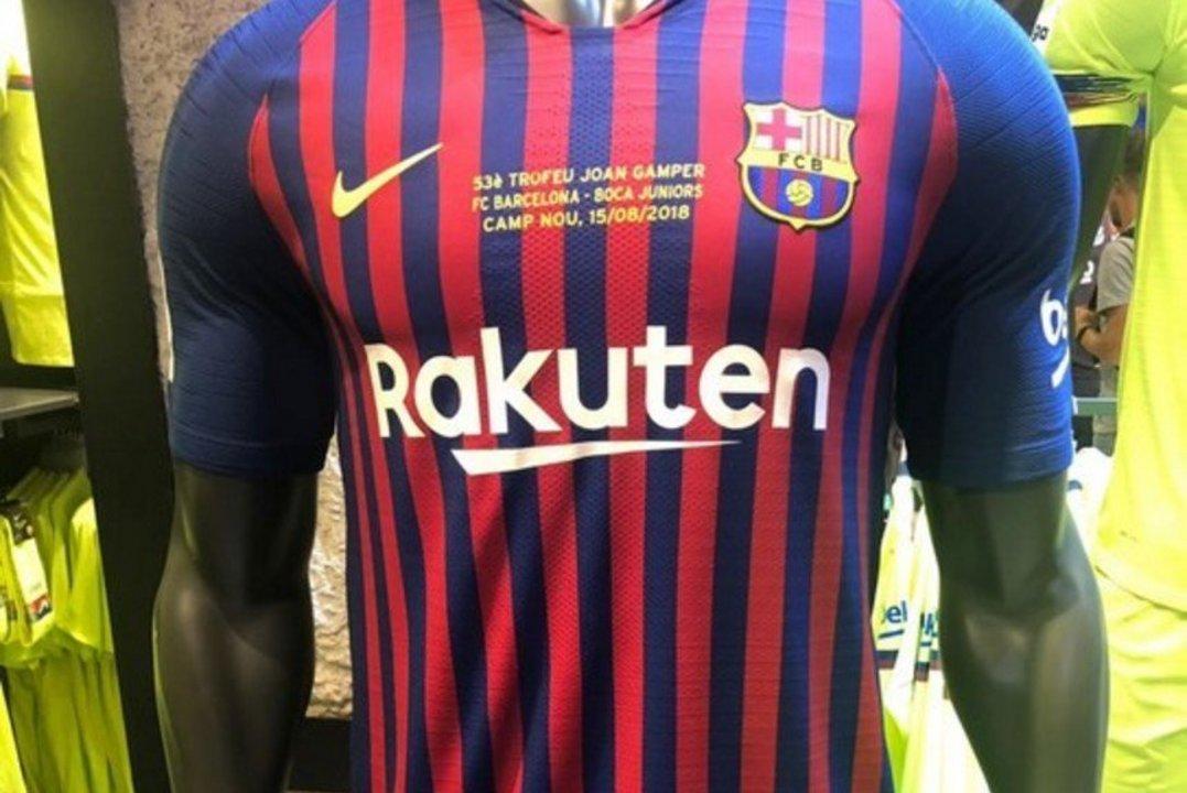 Cómo será la camiseta de Barcelona para jugar ante Boca  - Doble ... 70dfe7f3c32