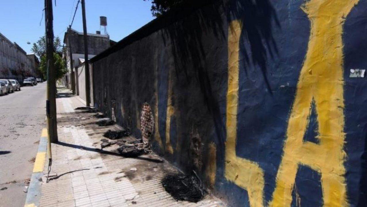 La pared con los colores de Central fue quemada el miércoles.