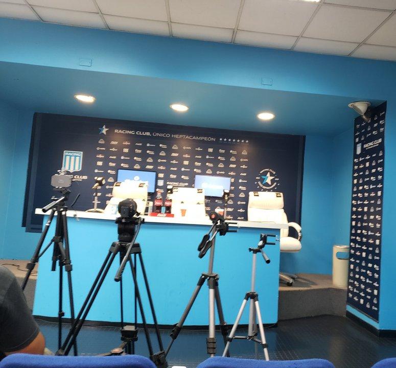 La sala de prensa preparada - Vía @Fabrizio99S