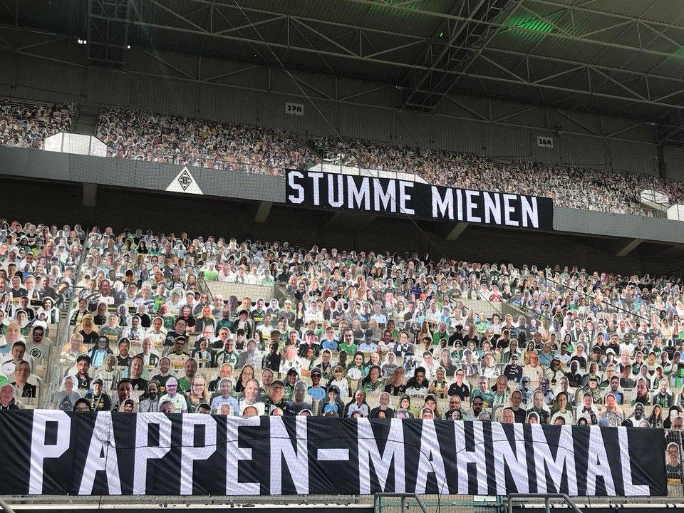 La imagen del día: el Borussia Park con 'aficionados de cartón'