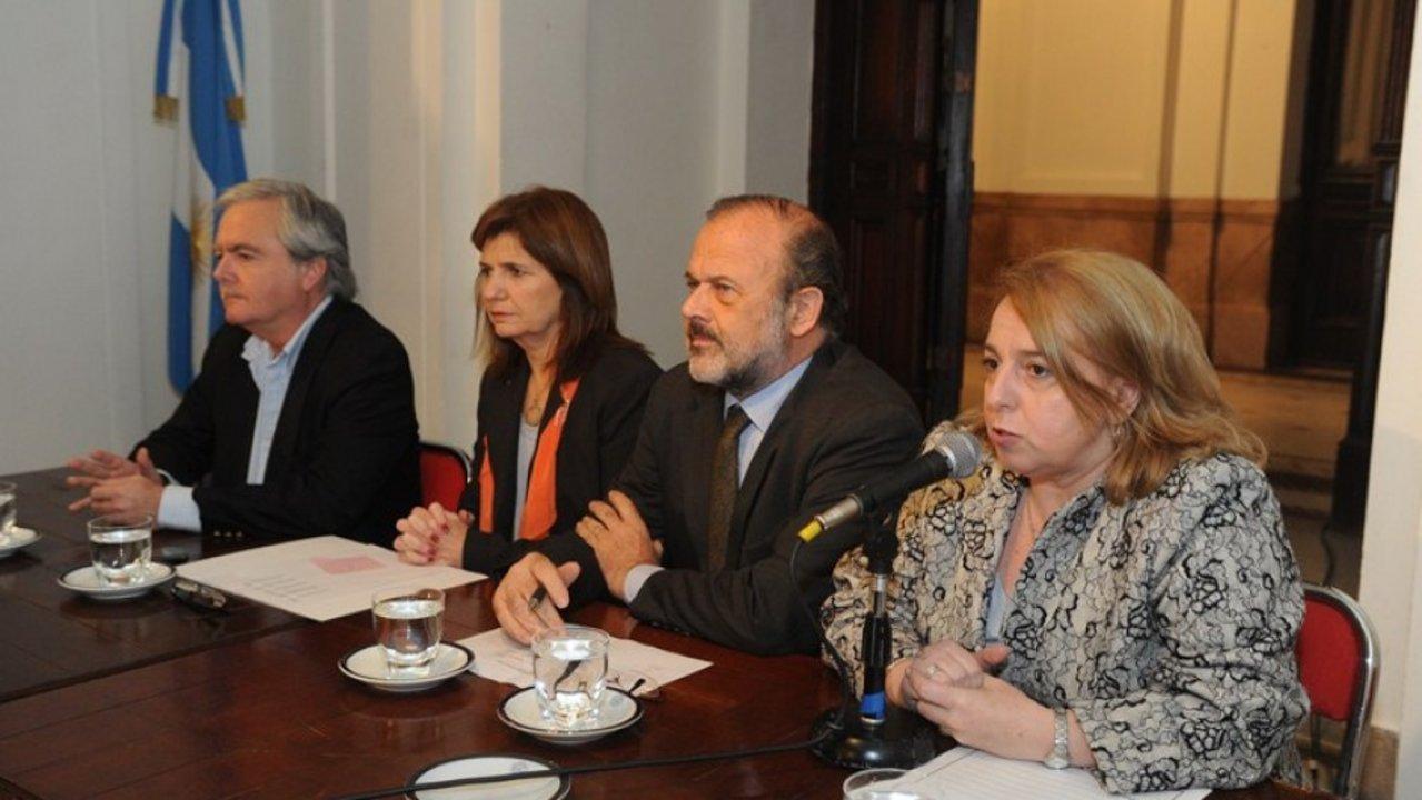"""Pinedo, Bullrich, Amadeo, y Giudici en tiempos del """"Grupo A"""" (2011)."""