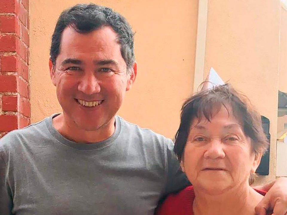 Rafael junto a su madre, María del Carmen