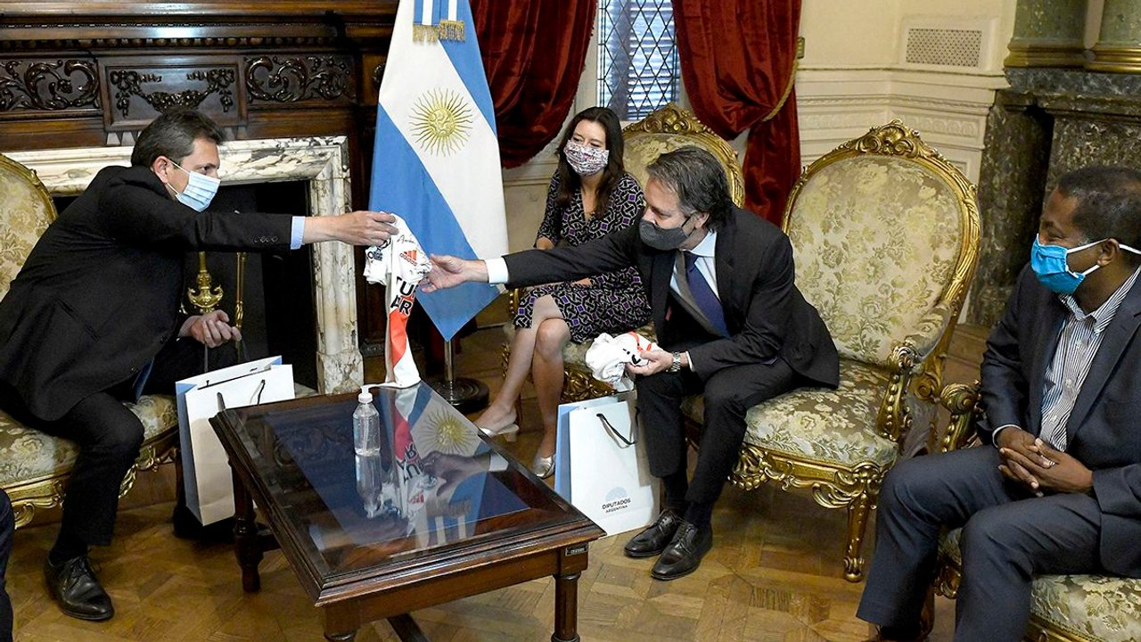 Sergio Massa y otros funcionarios como Wado de Pedro mantuvieron reuniones con la misión del Fondo Monetario Internacional