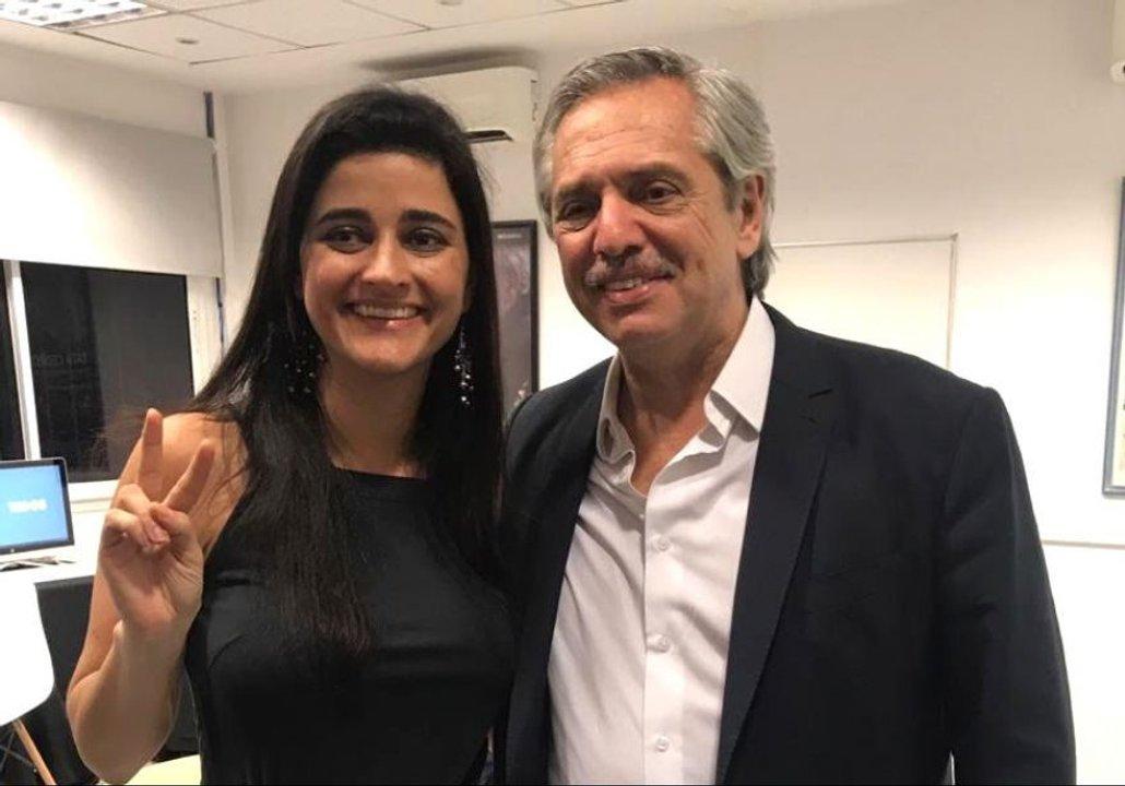 Carmela Moreau junto a Alberto Fernández