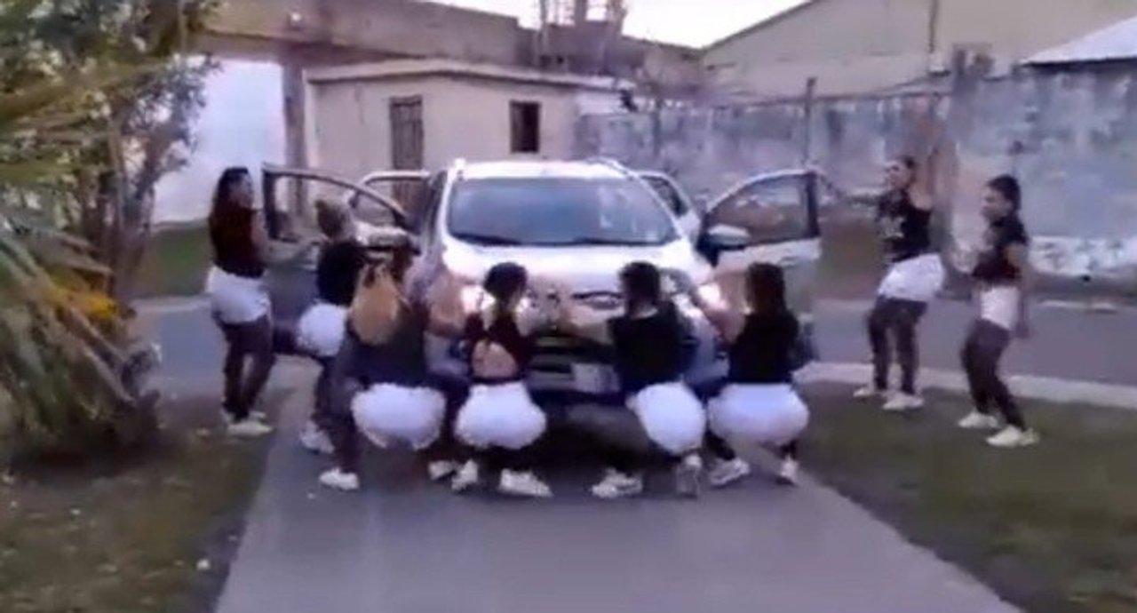 Polémica: agentes penitenciarias y presas grabaron una coreografía en el  Penal de Los Hornos - DataClave