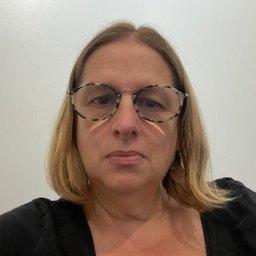 Dra. Andrea Abadi (MN  76165)