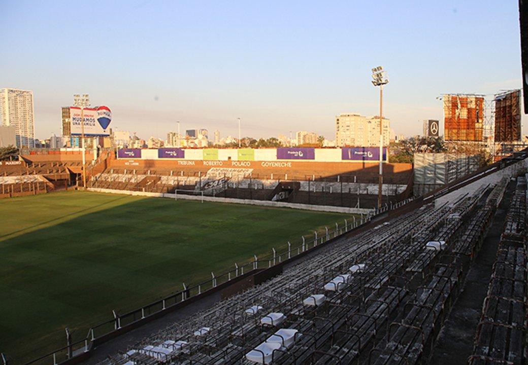"""El estadio del Calamar en la actualidad, con el sector """"Nico Landoni"""", al lado del Polaco Goyeneche. (Gonzalo Colini/Prensa Platense)"""