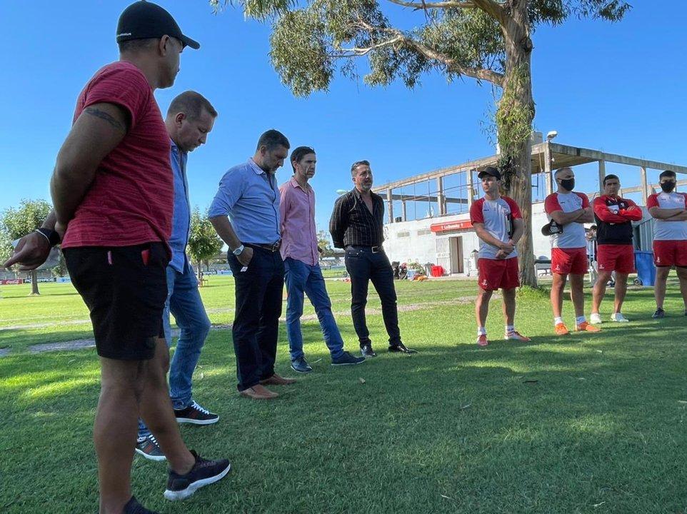 Primera reunión formal de Garzón con el plantel profesional de Huracán
