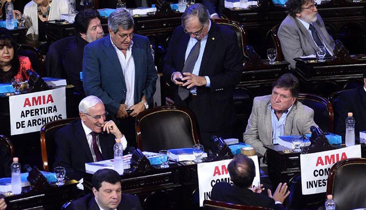 """Último discurso de CFK como presidenta, los pedidos por la Causa AMIA que motivaron una respuesta directa: """"No necesito carteles para hablar de AMIA""""."""