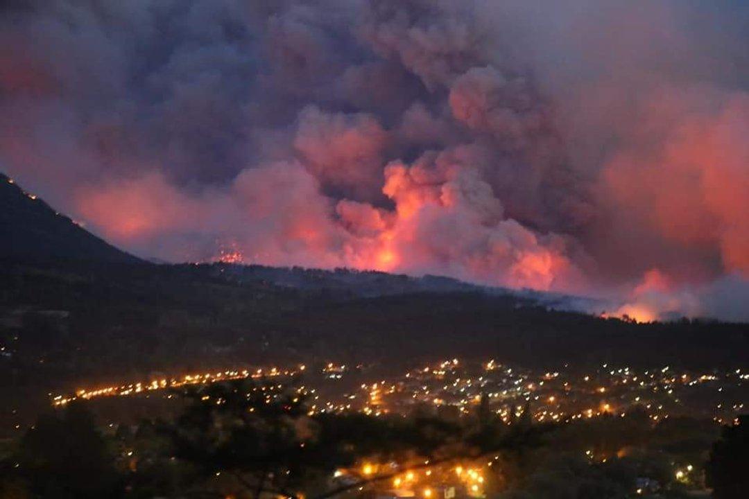 Se reactivó el incendio en la zona de Lago Puelo