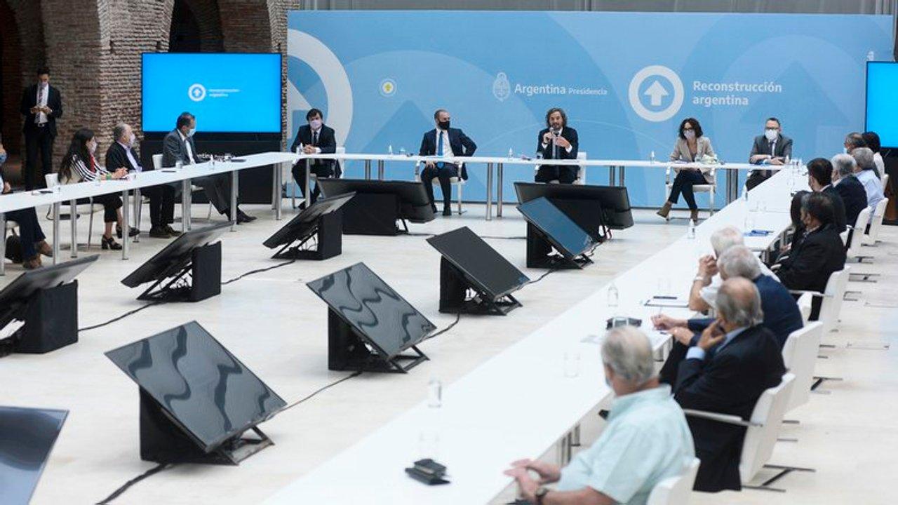 La última reunión del Gobierno con gran parte de los empresarios, la eterna pelea