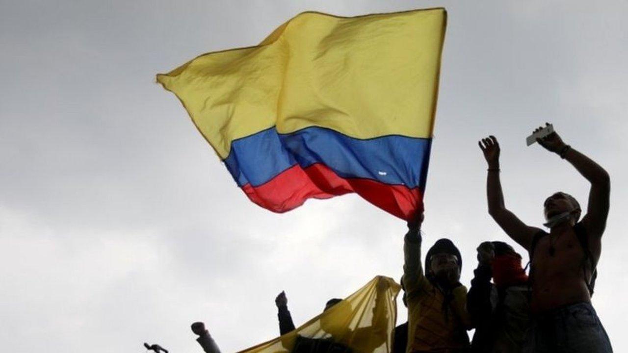 Pese a las protestas sociales, no se mueven los partidos de River, Argentinos y Lanús en Colombia - Doble Amarilla